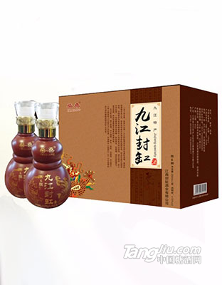 葫芦瓶六年封缸酒