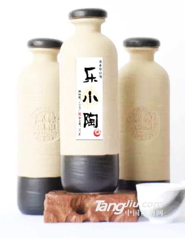 乐小陶浓香型白酒-300ml42°