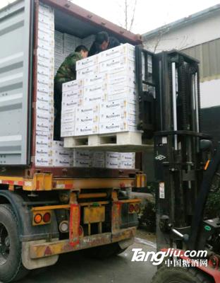 集装箱发货2--青岛汇海铭洋啤酒