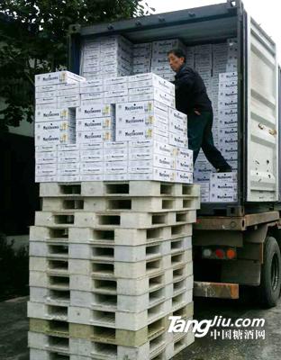 集装箱发货8--青岛汇海铭洋啤酒